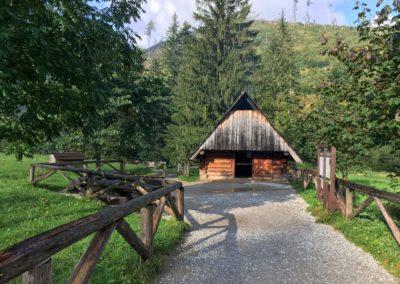 Dřevěná salaš v Dolina Kościeliska